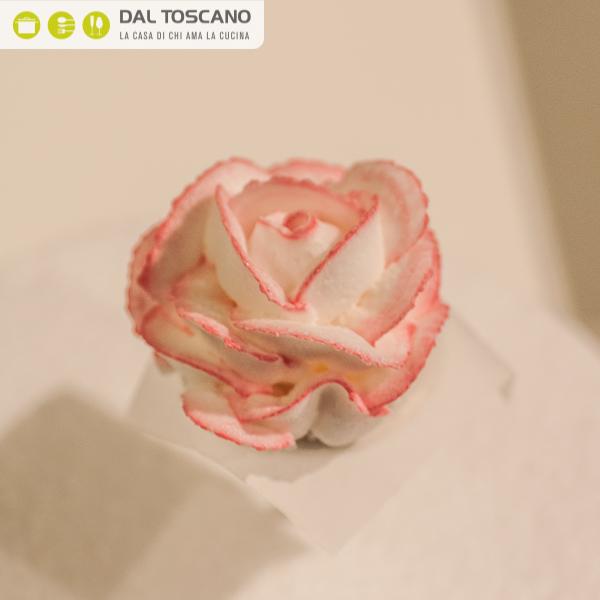 decorazione fiore per torta