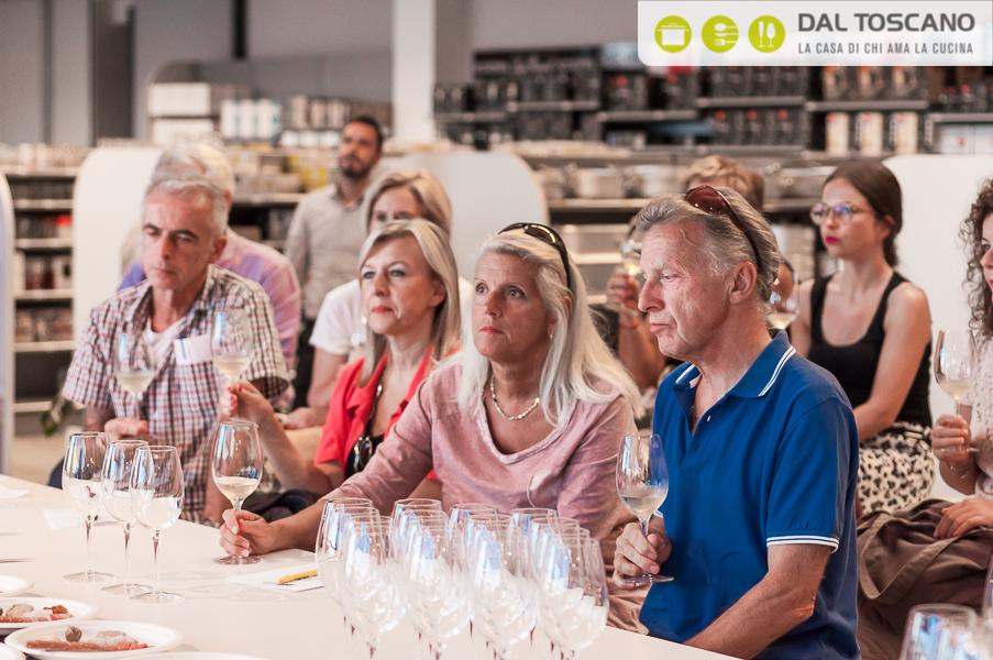 franciacorta AIS vino somellier millesimato spumante satin