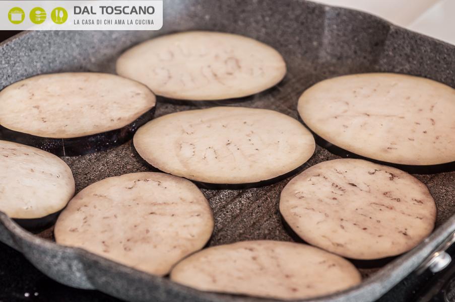 cuocere melanzane in bistecchiera antiaderente