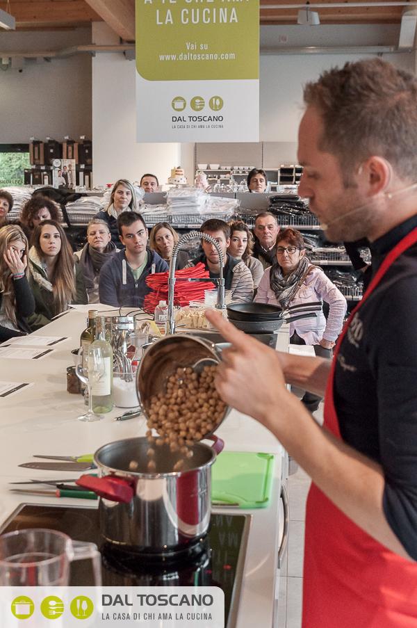 Simone Rugiati cucina Centro Casalinghi Dal Toscano