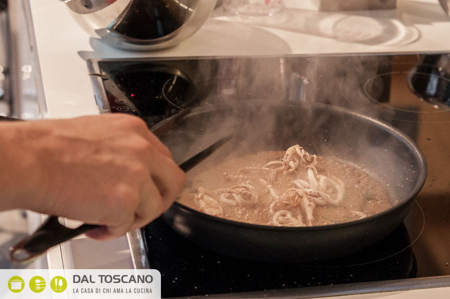 ricetta Simone Rugiati Totano scottato su crema di ceci pomodori secchi olive