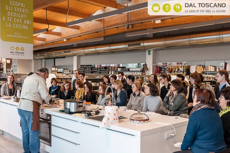 Gianfranco Allari cucina Centro Casalinghi Dal Toscano