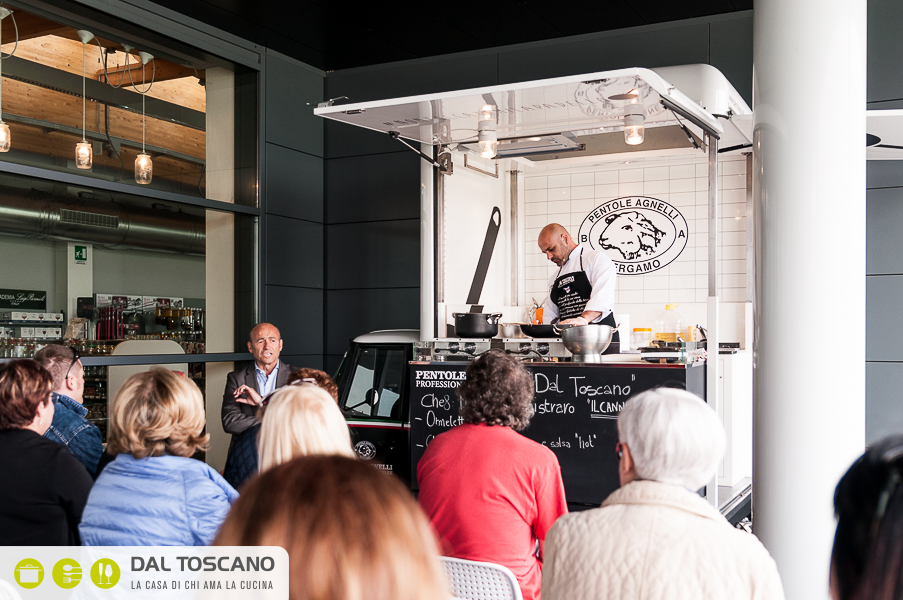 street food Michele Cannistraro su Ape Piaggio Agnelli