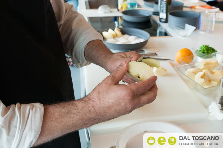 sbucciare mele